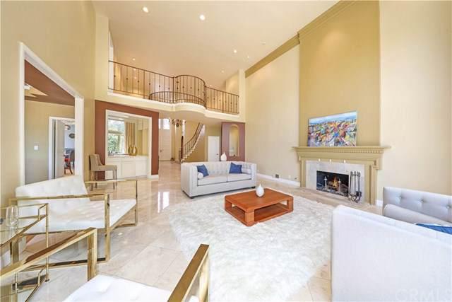 5 Rue Deauville, Newport Beach, CA 92660 (#NP19096538) :: Allison James Estates and Homes