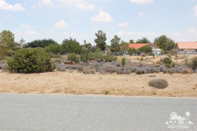 San Diego Drive, Yucca Valley, CA 92284 (#215021196DA) :: RE/MAX Empire Properties