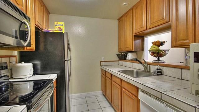 359 Half Moon Lane #114, Daly City, CA 94015 (#ML81452201) :: The Costantino Group | Cal American Homes and Realty