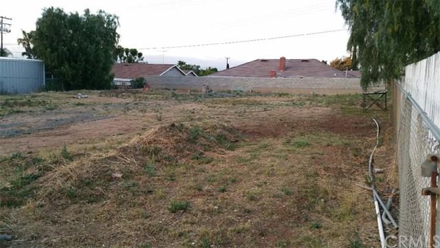1035 Serfas Club Drive, Corona, CA 92882 (#OC17086511) :: Provident Real Estate