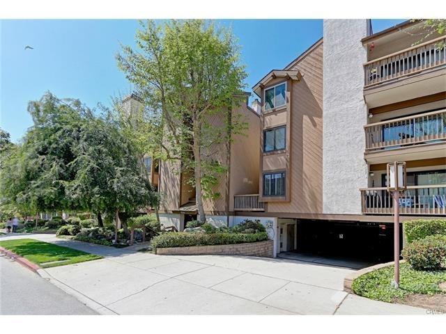 935 Main Street #304, El Segundo, CA 90245 (#SB17104085) :: Erik Berry & Associates