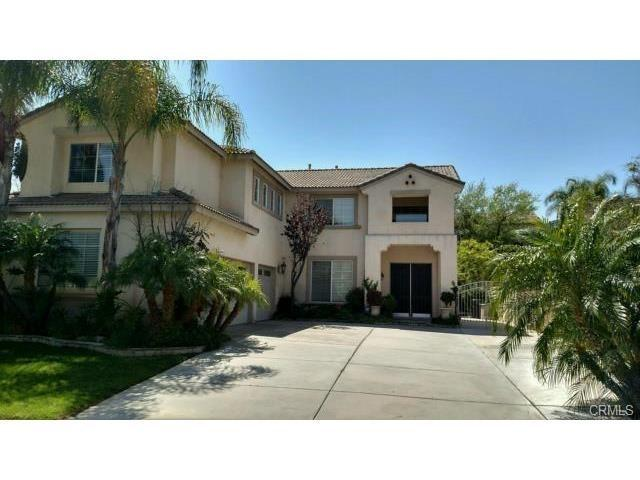 740 Raphael Circle, Corona, CA 92882 (#IV17111276) :: Allison James Estates and Homes