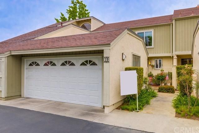 19 Sparrow Hill Lane, Laguna Hills, CA 92653 (#OC17121460) :: Fred Sed Realty
