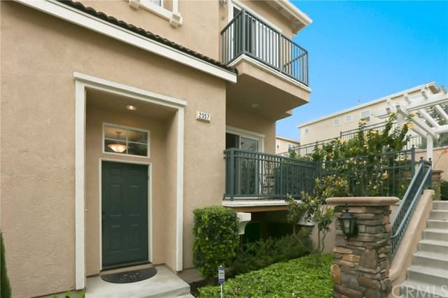 2357 Ohio Avenue, Signal Hill, CA 90755 (#SB17122997) :: Kato Group