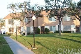 460 W Carriage Drive #393, Santa Ana, CA 92707 (#PW17130198) :: RE/MAX New Dimension