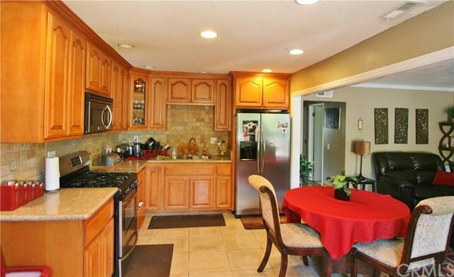 125 E Palmdale Avenue #4, Orange, CA 92865 (#PW17130251) :: RE/MAX New Dimension