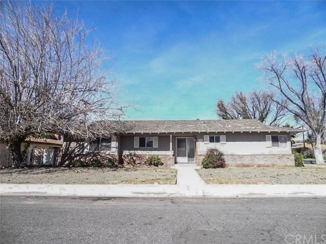 676 E Wright Street, Hemet, CA 92543 (#TR17111070) :: RE/MAX Estate Properties