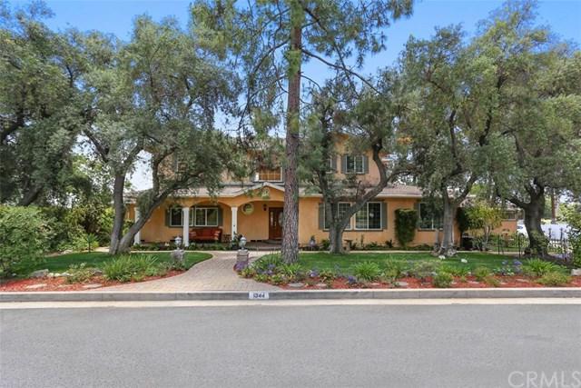 1344 Olive Lane, La Canada Flintridge, CA 91011 (#CV17131524) :: The Brad Korb Real Estate Group