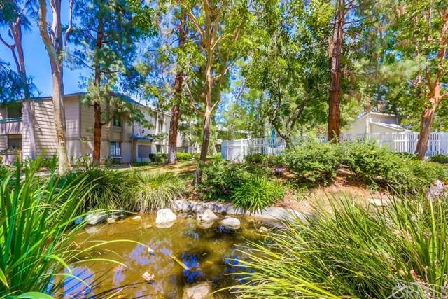 20702 El Toro Road #328, Lake Forest, CA 92630 (#OC17134707) :: Fred Sed Realty