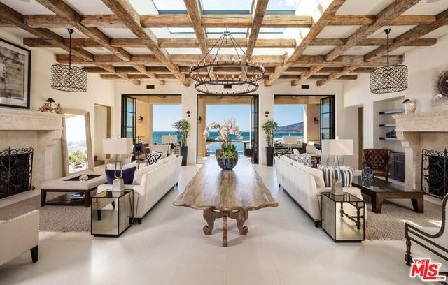 6406 Merritt Drive, Malibu, CA 90265 (#17242436) :: The Marelly Group | Realty One Group