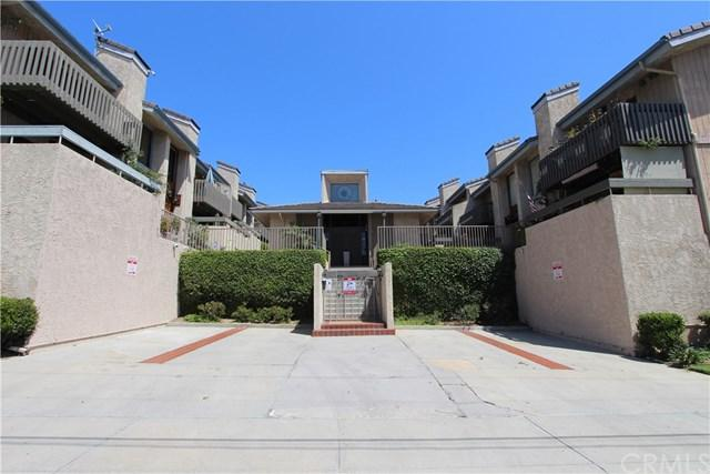 2298 Rose Avenue #113, Signal Hill, CA 90755 (#RS17137399) :: Kato Group