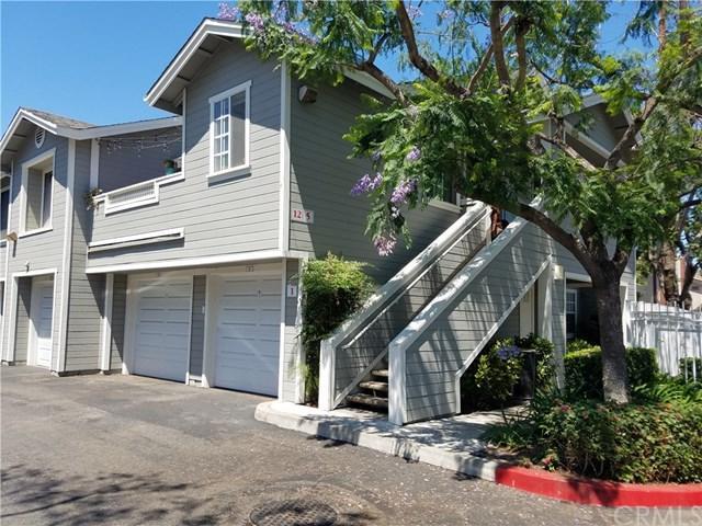 3500 S Greenville Street A1, Santa Ana, CA 92704 (#PW17138999) :: RE/MAX New Dimension