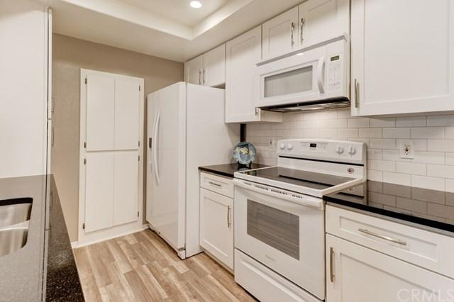 20702 El Toro Road #134, Lake Forest, CA 92630 (#OC17139520) :: Berkshire Hathaway Home Services California Properties