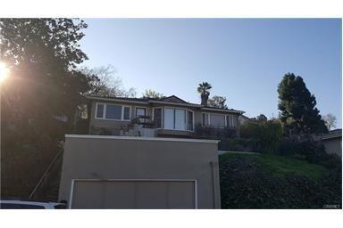 3920 Toland Way, Eagle Rock, CA 90065 (#SR17139611) :: The Brad Korb Real Estate Group