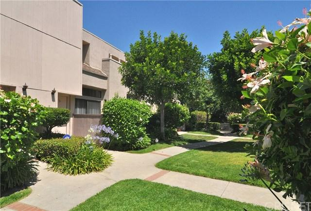 15227 Magnolia Boulevard D, Sherman Oaks, CA 91403 (#SR17138920) :: The Brad Korb Real Estate Group