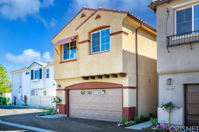 14855 Navarre Way, Sylmar, CA 91342 (#SR17140485) :: The Brad Korb Real Estate Group