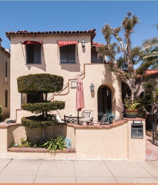 233-1/2 Granada Avenue, Long Beach, CA 90803 (#PW17140410) :: Kato Group