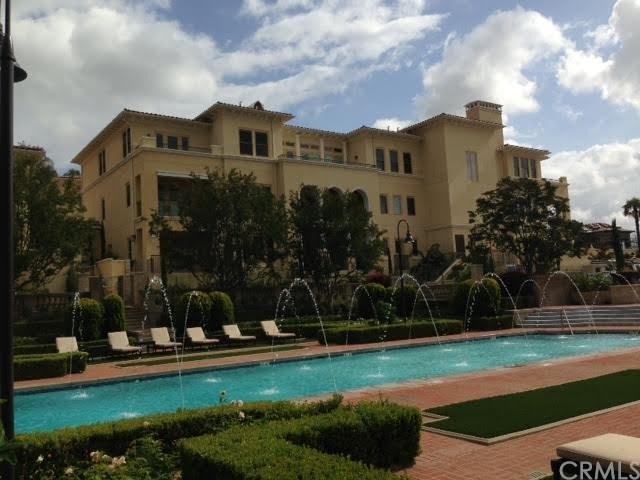 100 S Orange Grove #302, Pasadena, CA 91105 (#AR17140610) :: The Brad Korb Real Estate Group