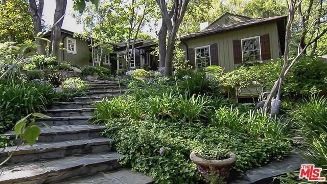 22377 Cass Avenue, Woodland Hills, CA 91364 (#17243730) :: The Brad Korb Real Estate Group
