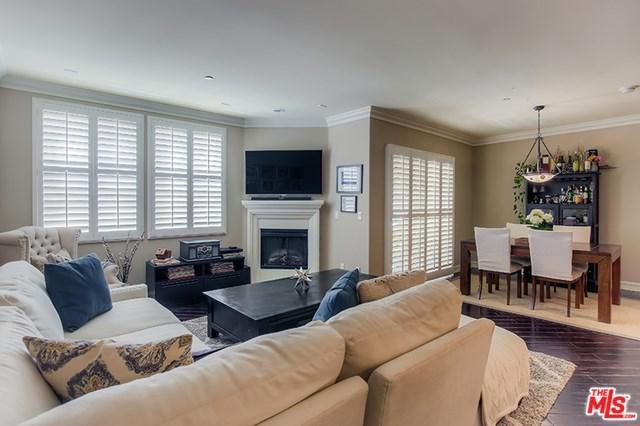 4237 Longridge Avenue #202, Studio City, CA 91604 (#17243786) :: The Brad Korb Real Estate Group
