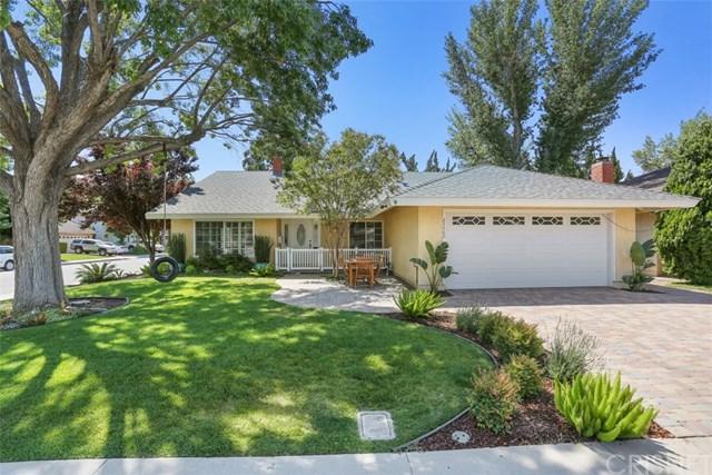 23402 Via Farallon, Valencia, CA 91355 (#SR17140518) :: The Brad Korb Real Estate Group