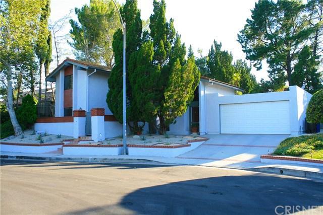 12713 Tyson Place, Granada Hills, CA 91344 (#SR17140666) :: The Brad Korb Real Estate Group