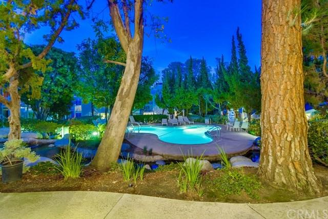 1275 W Capitol Drive #120, San Pedro, CA 90732 (#SB17140772) :: Keller Williams Realty, LA Harbor