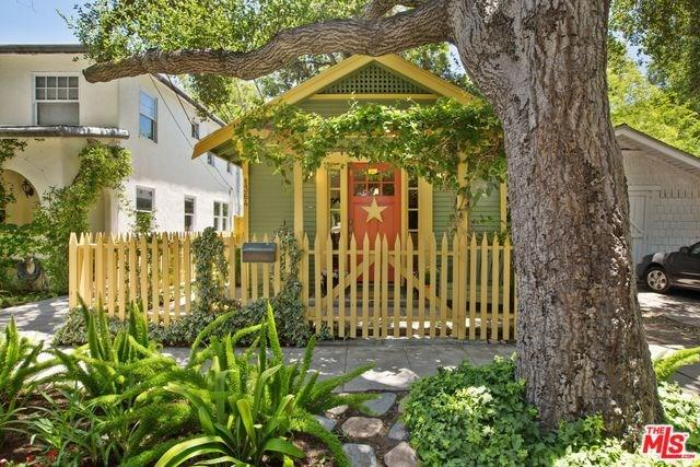 1364 E Elizabeth Street, Pasadena, CA 91104 (#17243330) :: The Brad Korb Real Estate Group