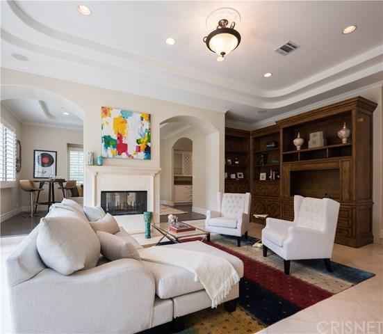 5250 Veloz Avenue, Tarzana, CA 91356 (#SR17139602) :: The Brad Korb Real Estate Group