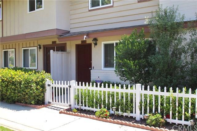 1453 Sycamore Avenue, Tustin, CA 92780 (#SW17140012) :: RE/MAX New Dimension