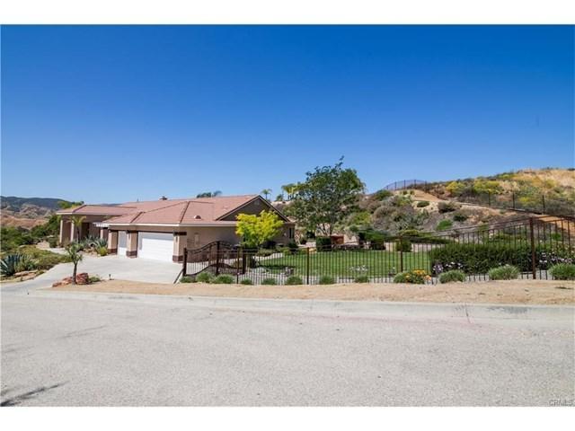 1920 Saugus Court, Redlands, CA 92373 (#EV17141529) :: RE/MAX Estate Properties