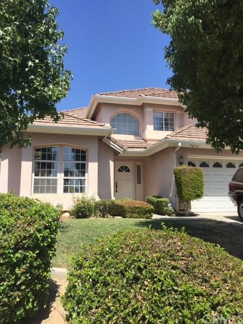 7251 Cedarwood Place, Highland, CA 92346 (#OC17141849) :: RE/MAX Estate Properties