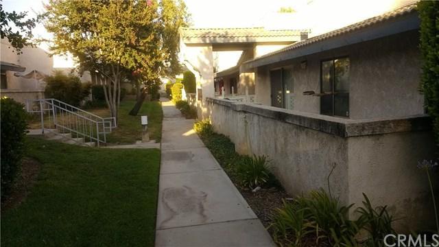 7001 Church Avenue #15, Highland, CA 92346 (#EV17139554) :: RE/MAX Estate Properties