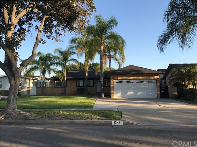 1342 West Hill Ave, Fullerton, CA 92833 (#CV17141688) :: RE/MAX New Dimension