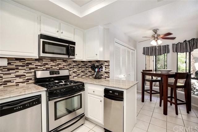 23282 Coso #121, Mission Viejo, CA 92692 (#OC17139692) :: DiGonzini Real Estate Group