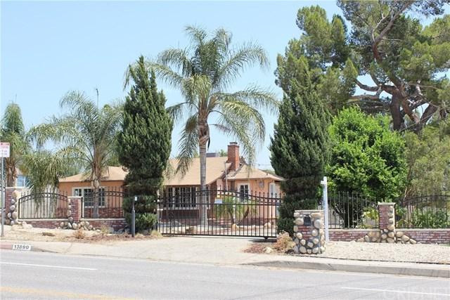 13890 Polk Street, Sylmar, CA 91342 (#SR17140978) :: Fred Sed Realty