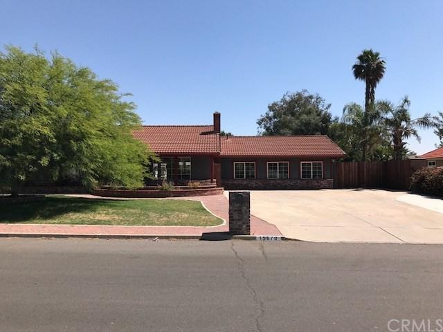 15670 Alvarado Street, Lake Elsinore, CA 92530 (#SW17142962) :: Kristi Roberts Group, Inc.