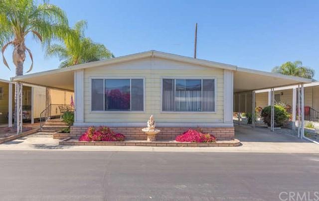 881 N Lake Street #235, Hemet, CA 92544 (#SW17143044) :: RE/MAX Estate Properties