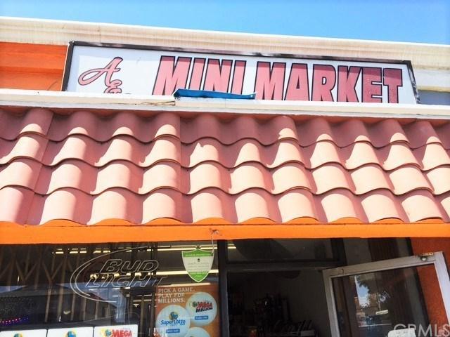 4657 El Segundo Boulevard W, Hawthorne, CA 90250 (#SB17143149) :: Erik Berry & Associates