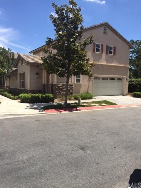 4009 Sutton Court, Riverside, CA 92501 (#PW17143072) :: Carrington Real Estate Services