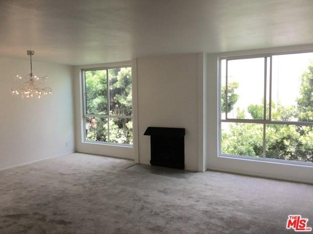 927 N Kings Road #317, West Hollywood, CA 90069 (#17244198) :: TBG Homes - Keller Williams