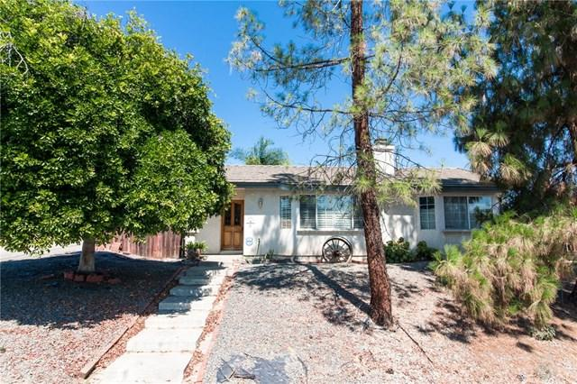 307 Mohr Street, Lake Elsinore, CA 92530 (#SW17143441) :: Kristi Roberts Group, Inc.