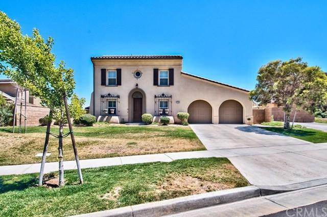 780 Morita Drive, Corona, CA 92879 (#IG17143512) :: Carrington Real Estate Services