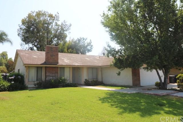 4015 Grimsby Lane, Riverside, CA 92505 (#IG17143564) :: RE/MAX Estate Properties