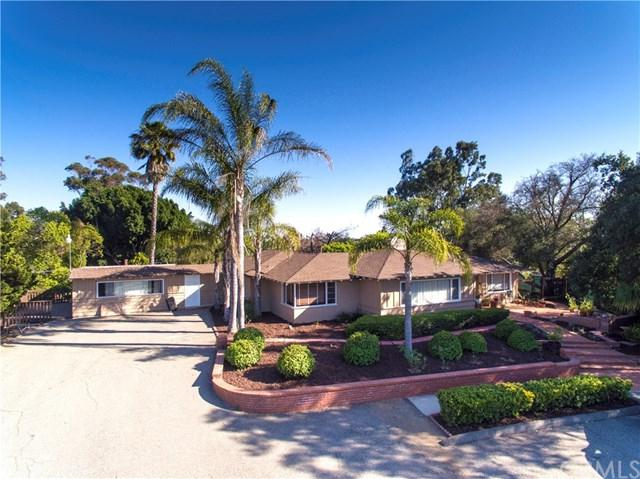 1945 Stage, Fallbrook, CA 92028 (#SW17143588) :: Kristi Roberts Group, Inc.