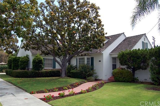 352 Panama Avenue, Long Beach, CA 90814 (#PW17143913) :: Kato Group
