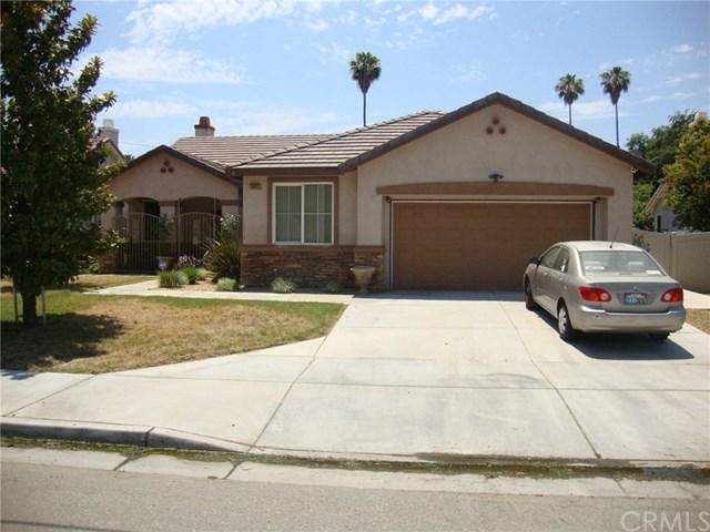 1061 E Menlo Avenue, Hemet, CA 92543 (#SW17143993) :: Kristi Roberts Group, Inc.