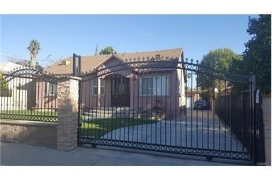 14576 Paddock Street, Sylmar, CA 91342 (#PW17142709) :: Kato Group