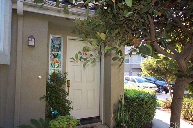 312 Falcon, Irvine, CA 92618 (#OC17144250) :: RE/MAX New Dimension
