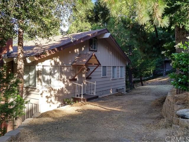 201 Weisshorn Drive, Crestline, CA 92325 (#EV17144266) :: Kato Group